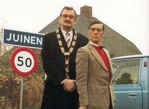 beroemd presentatie-duo: burgemeester Van der Vaart en wethouder Hekking
